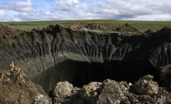 シベリアに出現した穴ぼこ